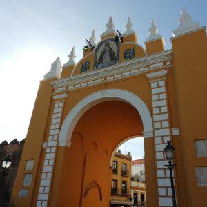 Las puertas de la muralla de Sevilla
